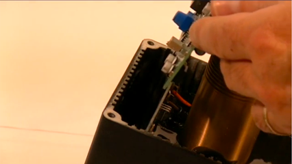 How to replace a CMA board in an EI 24 Vdc MagnaValve